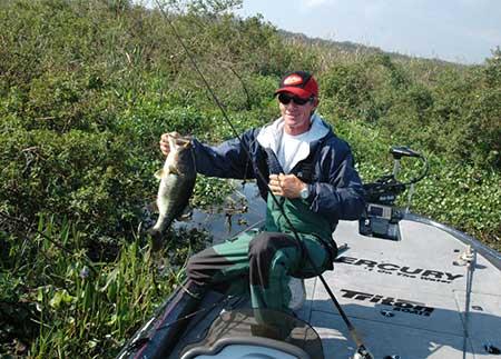 Pescar entre algas - Herminio Rodrigues